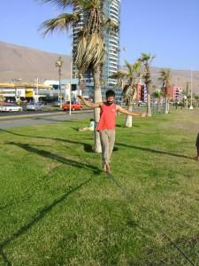 """Slack-Line en Iquique, """"el miami chileno"""""""